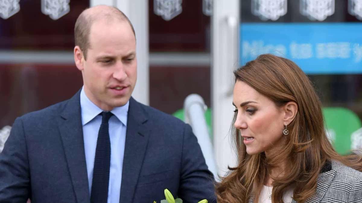 Le prince William a eu le « cœur brisé » au départ d'Harry et ce dernier commence à se languir de sa famille.