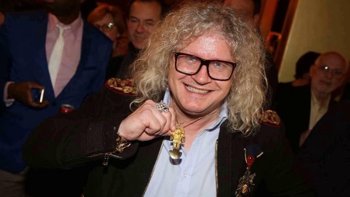 Pierre-Jean Chaleçon quitte l'émission « Affaire Conclue » pour devenir ministre ?